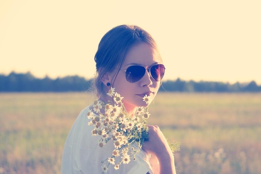 sunglasses-love-woman-flowers-large