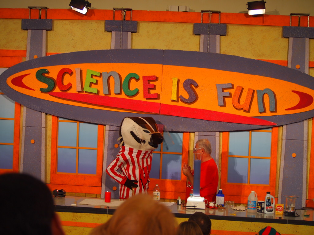 Uw Madisons Science Hall In All Its Red >> Mad Ison Science For Kids And Families