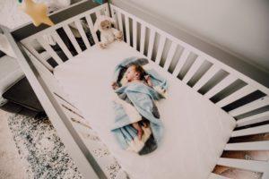 baby-bed-bedroom-971435
