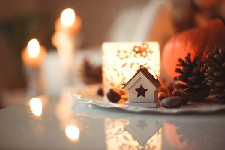 Things I am NOT Doing This Holiday Season: A Holly Jolly Manifesto