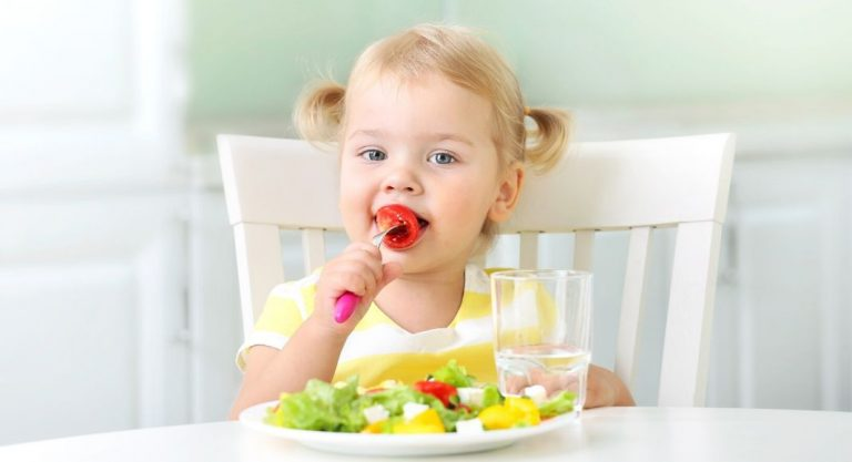 When Your Child Refuses to Eat | 8 Tips from a Nutritionist