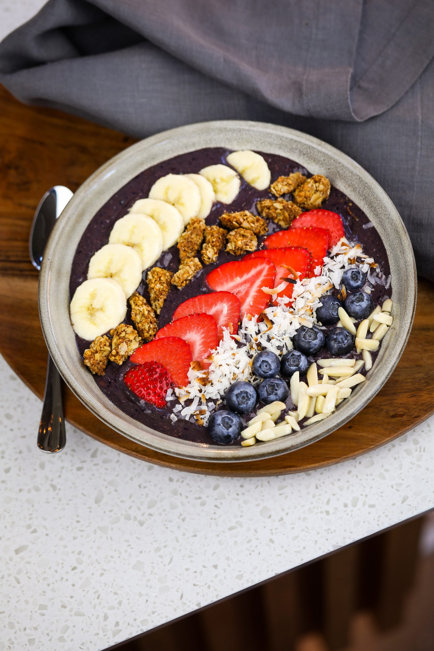 LMAD-EK-CafeBreakfast-Acai_bowl-1_video