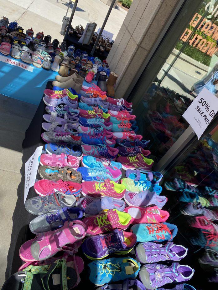 09072020_Sidewalk Sale_Morgans 2